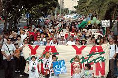 Miles de personas se manifiestan en Tenerife contra el puerto de Granadilla