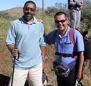 El Ministro de Cabo Verde de senderismo con Turcón