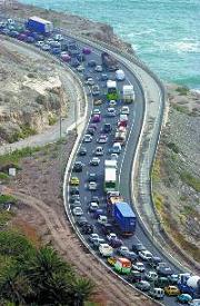 Más de 60% de canarios cree hay demasiadas carreteras