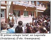 El Ministerio de Industria y Greenpeace acuerdan llevar la energía solar a los colegios