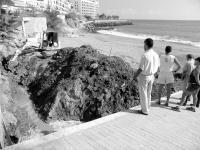 Un vertido de aguas fecales obliga a cerrar la playa de Patalavaca (Mogán)